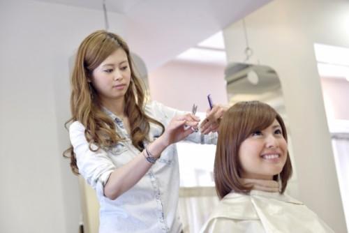 美容師から転職する際に多い業種7選