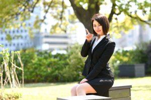 25歳の平均年収は350万円程度。年収UPする3つの方法とは